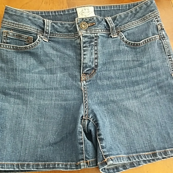 St. John's Bay Pants - Jean shorts